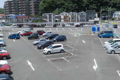 県立大船フラワーセンター正面駐車場