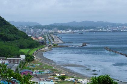 横須賀市走水の高台から海をのぞむ