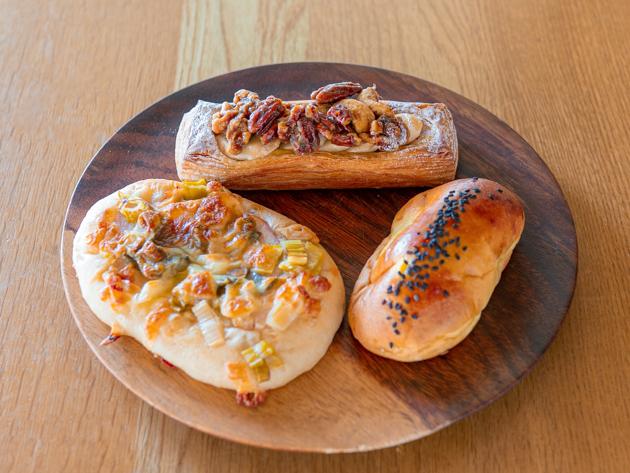 青葉区のパン屋ヒュッグリーのパン3種