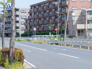 あざみ野駅から徳多朗へ向かう道